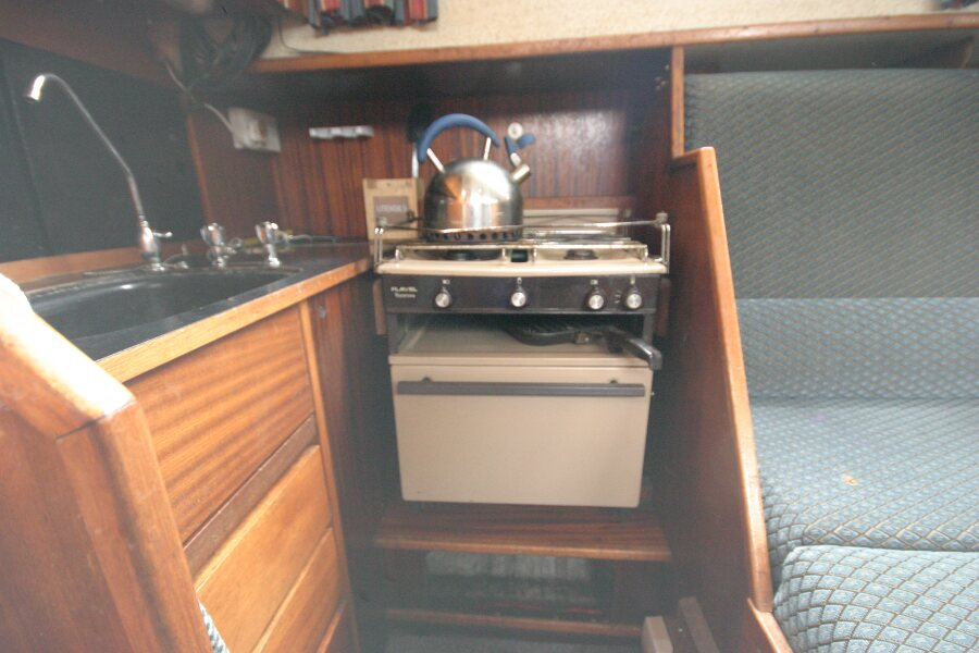 Finnsailer 35ft Motor Sailer Gas cooker, sink etc