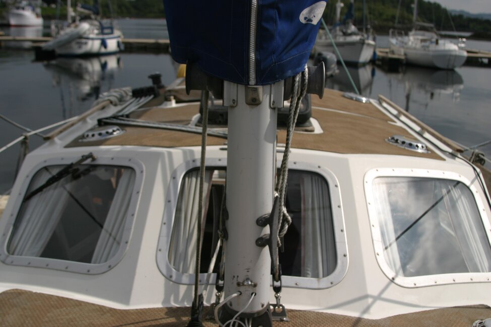 Trident Voyager 35for sale Looking aft from foredeck -