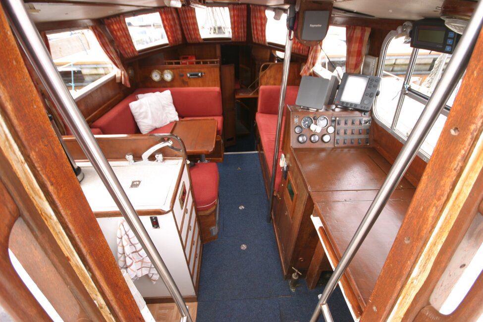 Trident Voyager 35for sale Looking into Companionway entrance -
