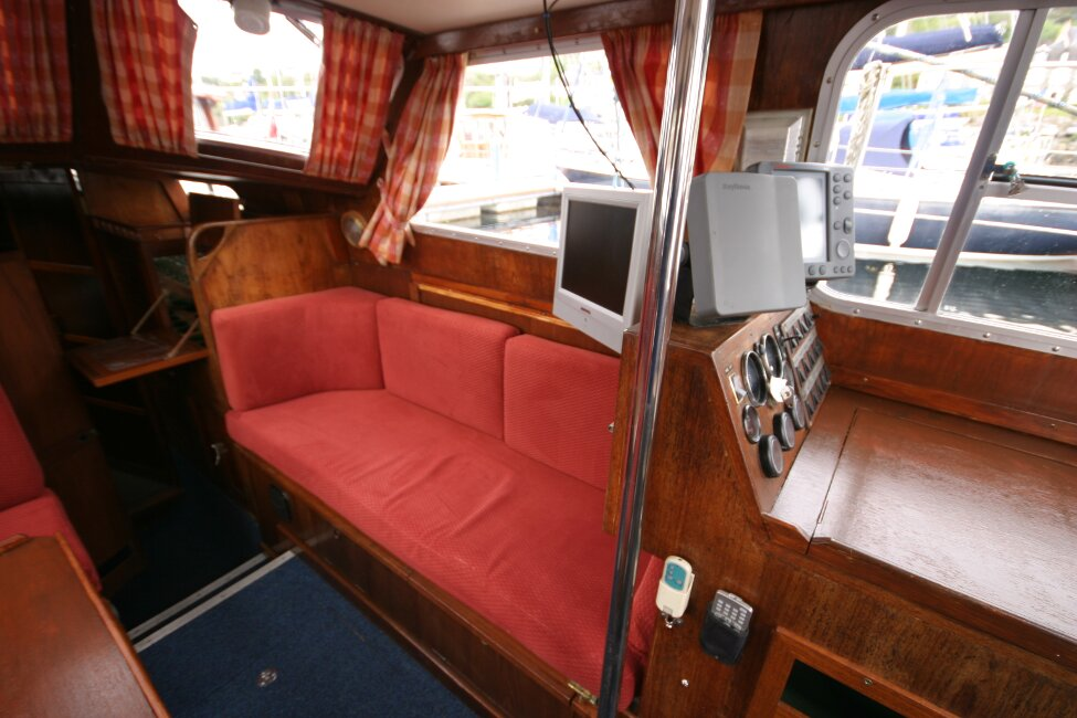 Trident Voyager 35for sale Starboard seating in saloon -