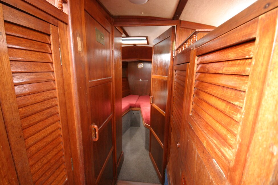 Trident Voyager 35for sale Heads on port side -
