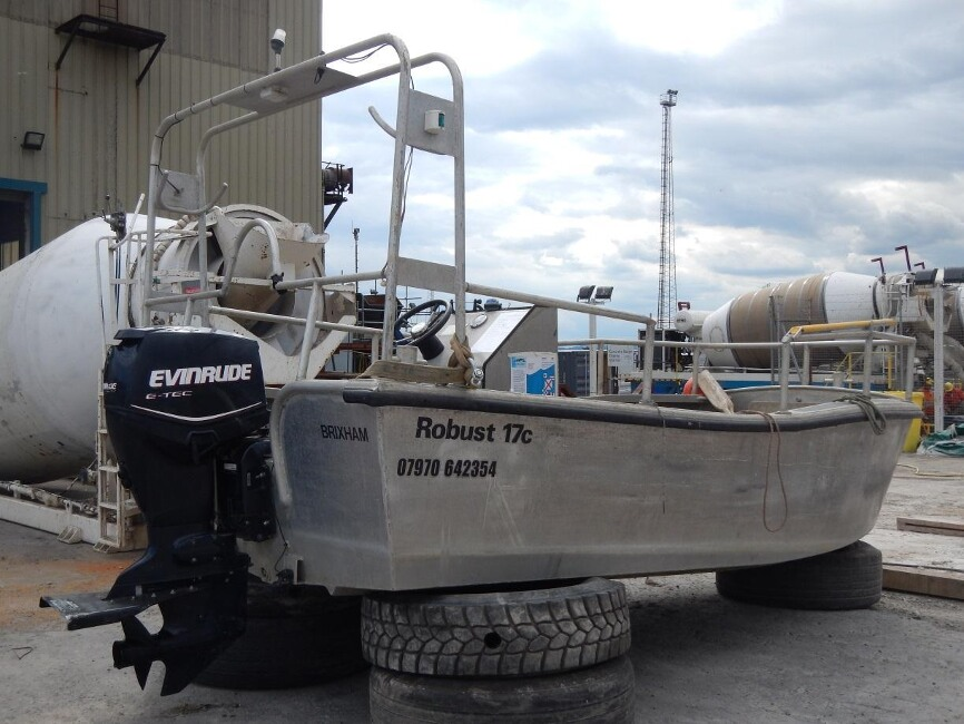 Robust 17C Workboatfor sale Starboard side - Owner's photo