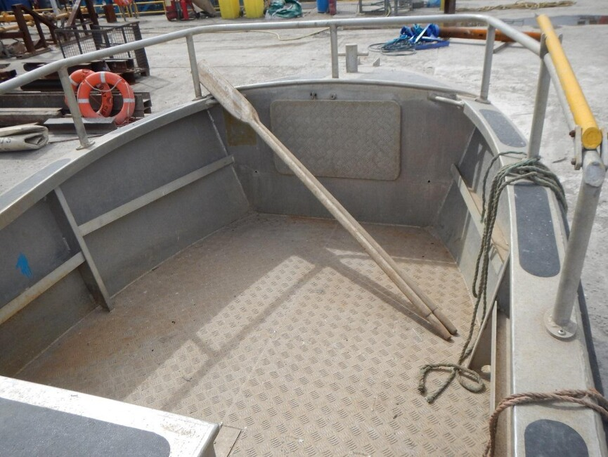 Robust 17C Workboatfor sale Forward work space - Owner's photo