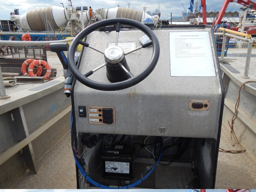Robust 17C Workboatfor sale Control Console - Owner's Photo