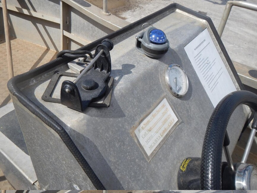 Robust 17C Workboatfor sale Console closeup - Owner's Photo