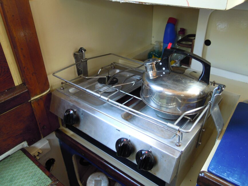 Wooden Classic 29 foot Bermudan Sloop Galley - gimballed 2 burner and grill