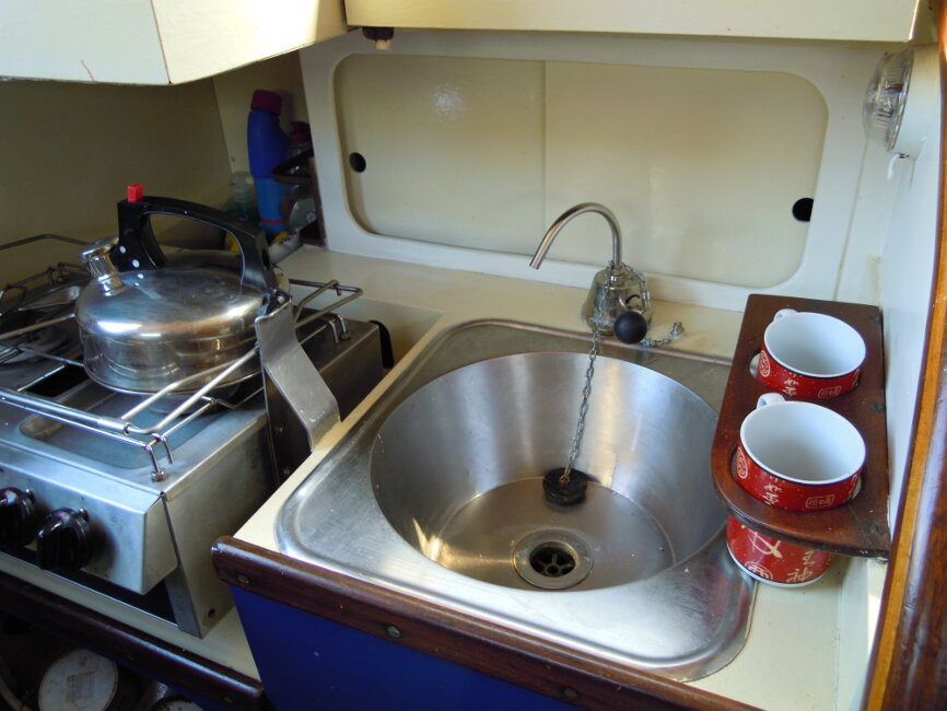Wooden Classic 29 foot Bermudan Sloopfor sale Galley - stainless sink and good storage - Owner's photo