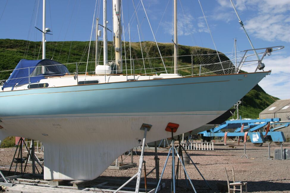 Contessa 32 Starboard side