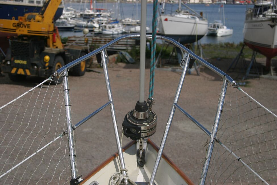 Contessa 32for sale Pulpit and reefing gear -