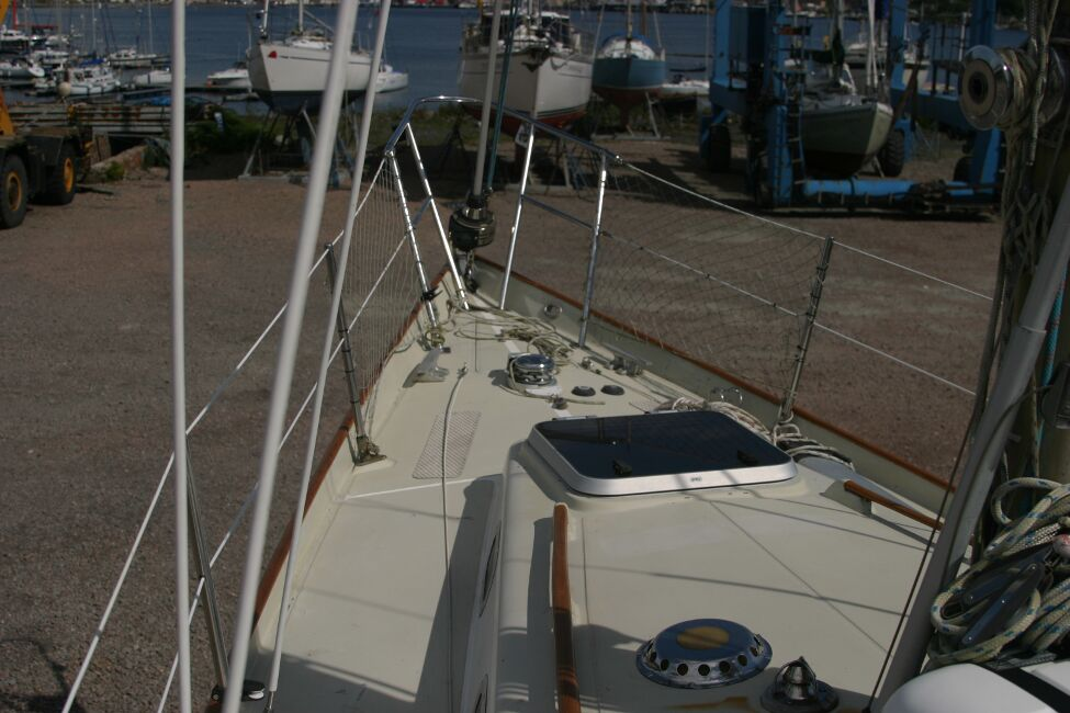 Contessa 32for sale Coach roof, foreward hatch and foredeck - from the port side