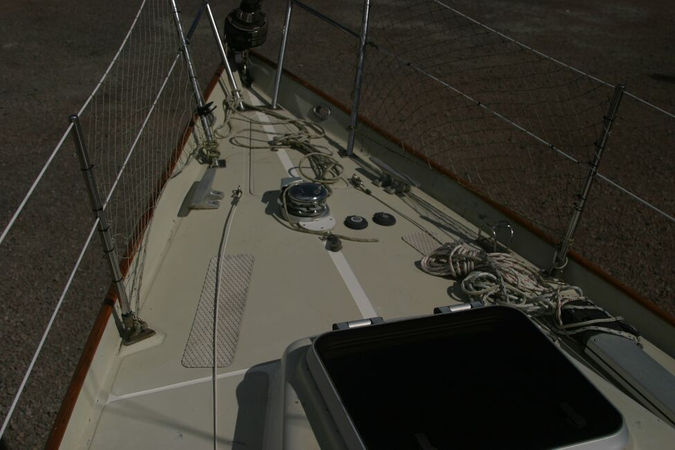 Contessa 32for sale Foredeck -