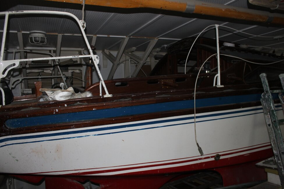 Barn Find Bilge Keelerfor sale Starboard Side -