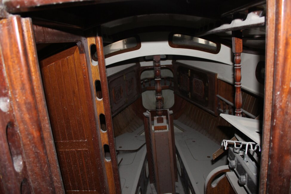 Barn Find Bilge Keelerfor sale View inside from companionway -