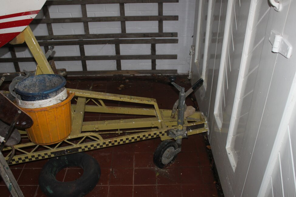 Barn Find Bilge Keelerfor sale Front of trailer, ball hitch removed so door will shut. - Ball hitch stored in garage