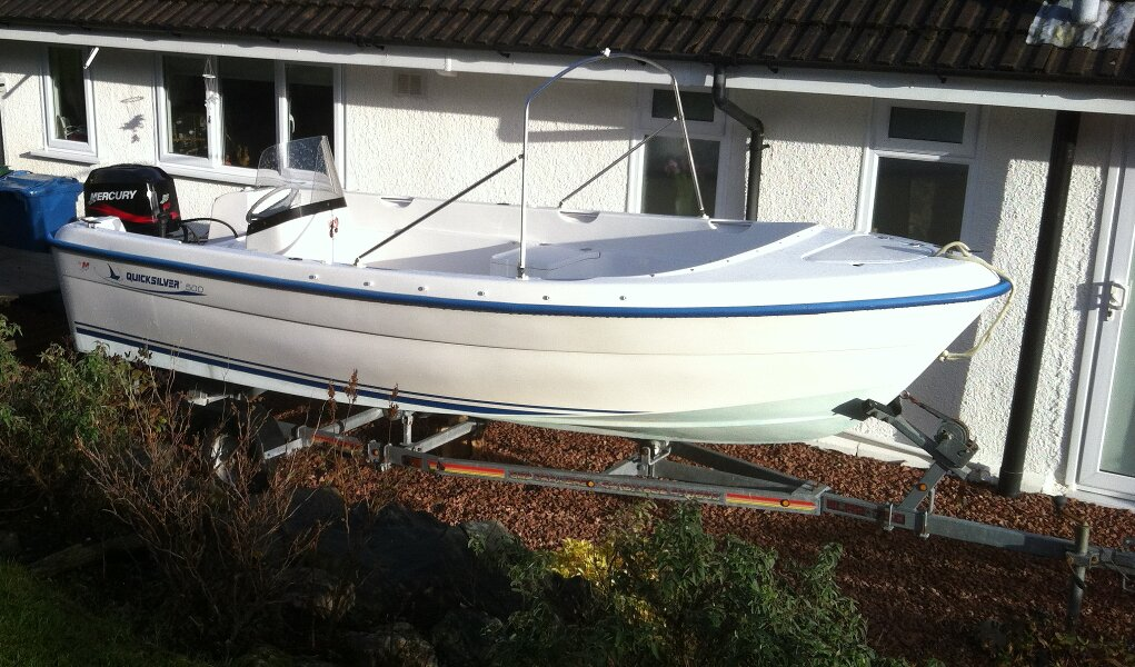 Quicksilver 500 Fishfor sale Sitting on her trailer -