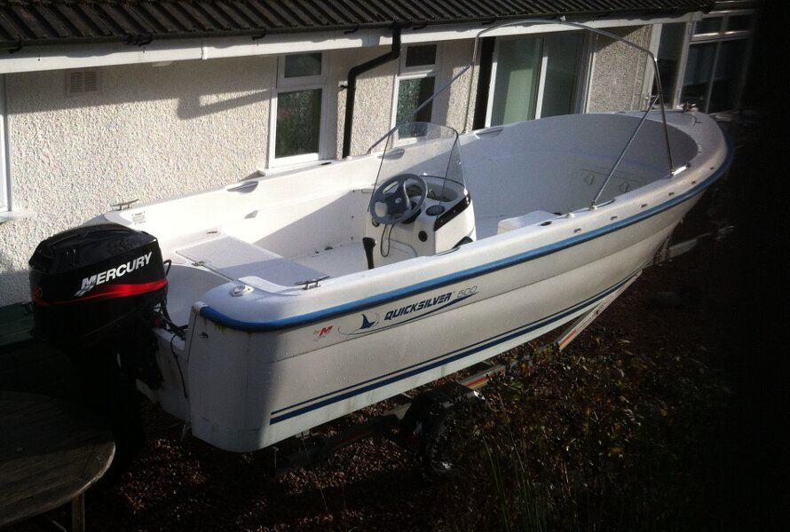 Quicksilver 500 Fishfor sale transom and engine -
