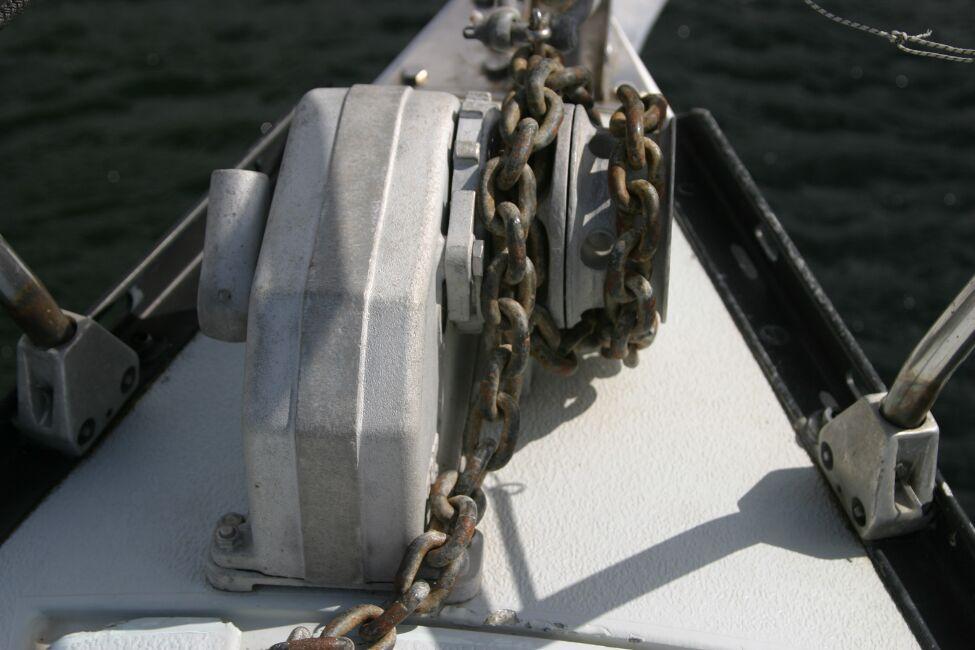 Thames Marine Everitt YCA 29 Anchor windlass