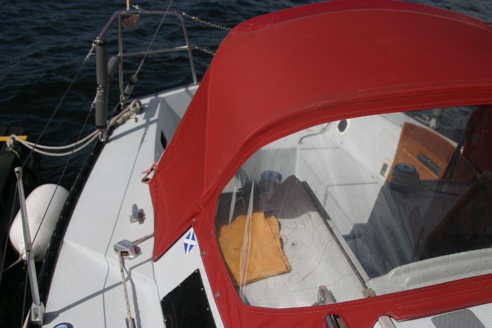 Thames Marine Everitt YCA 29 View aft to cockpit