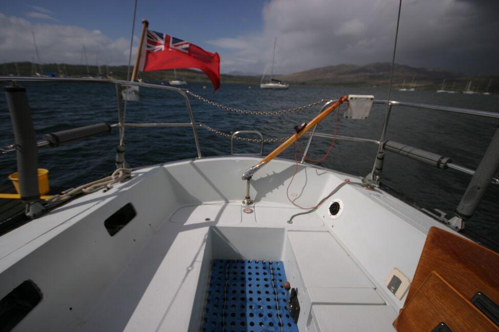 Thames Marine Everitt YCA 29 Cockpit looking aft