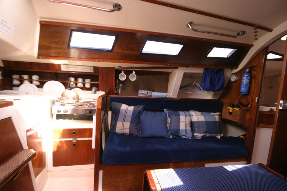 Thames Marine Everitt YCA 29 Port side seating area and galley