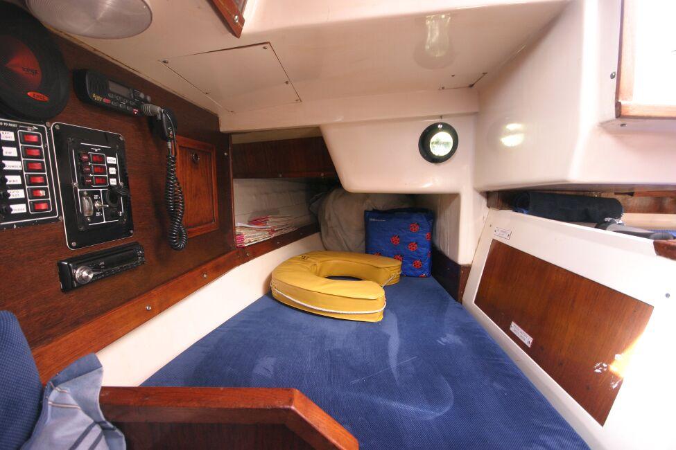 Thames Marine Everitt YCA 29 Quarter Berth