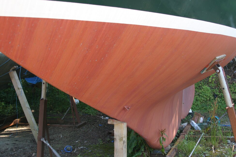 Nicholson 32 Mk Xfor sale Hull and keel, port - looking aft