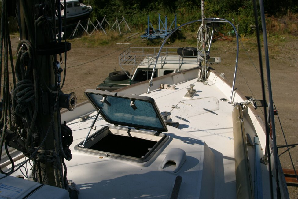 Nicholson 32 Mk Xfor sale Forehatch and Foredeck -