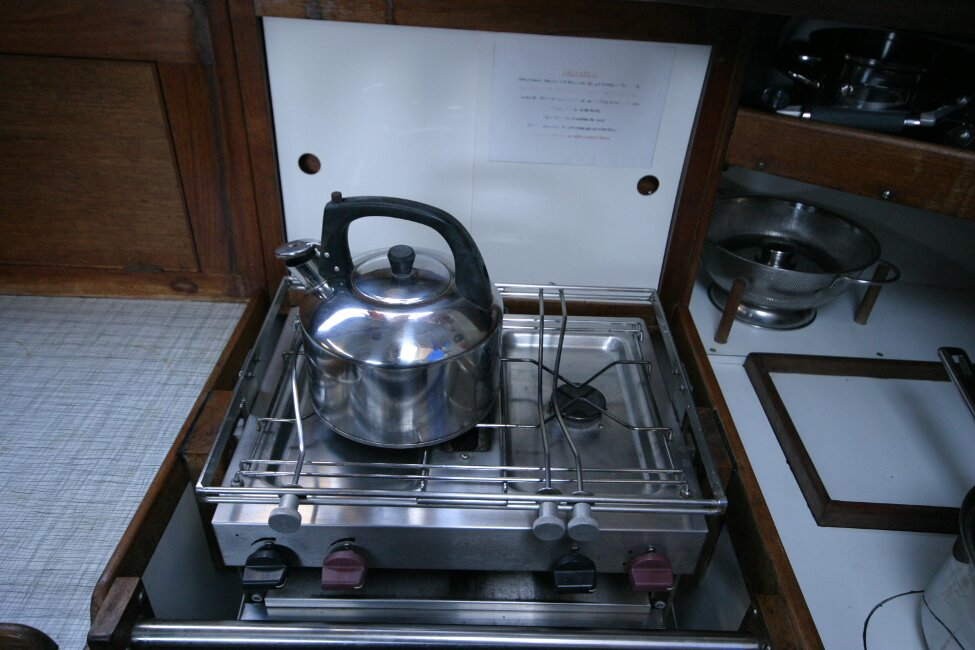 Nicholson 32 Mk Xfor sale Galley - two burners -