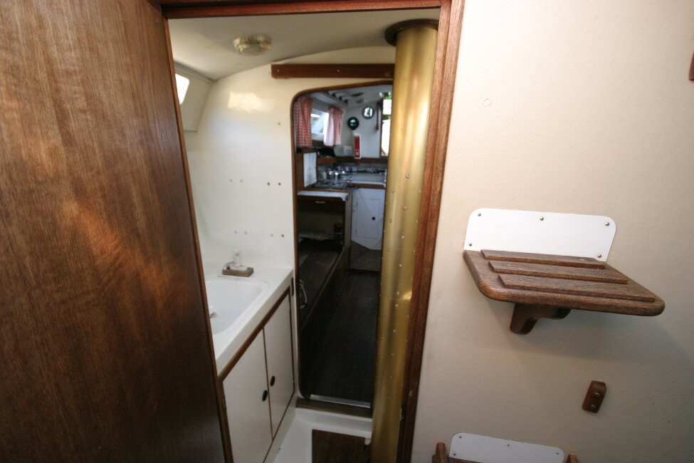 Nicholson 32 Mk Xfor sale Heads compartment from forward -