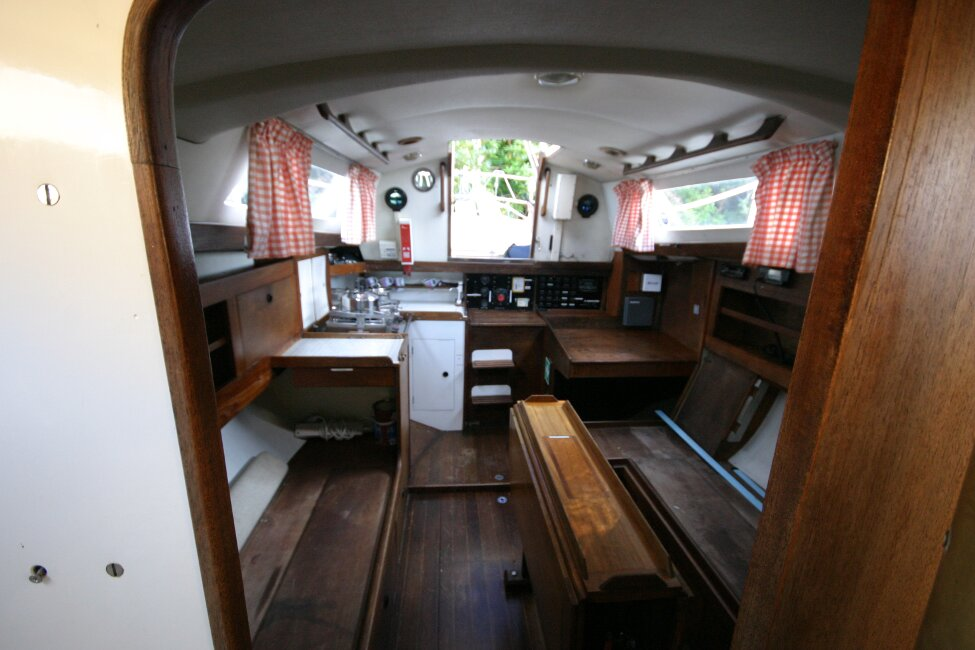 Nicholson 32 Mk Xfor sale Saloon from heads compartment -