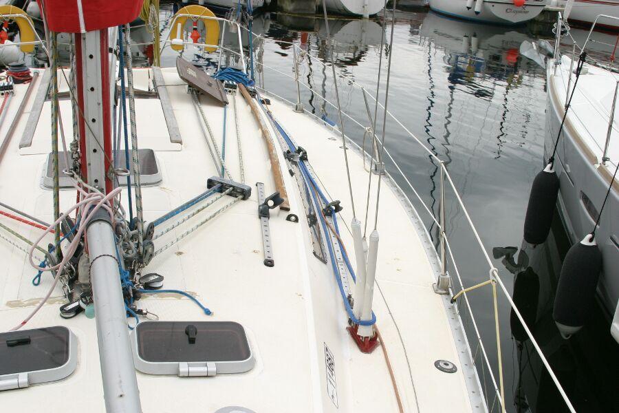 Jeanneau SunShine Regatta 38 Port Side Looking Back