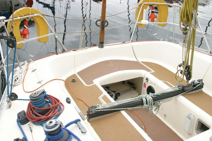 Jeanneau SunShine Regatta 38 Cockpit