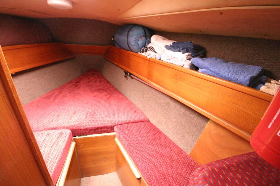 Jeanneau SunShine Regatta 38 Forward Cabin