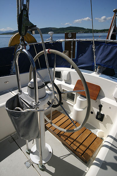 Moody 30for sale Helm -