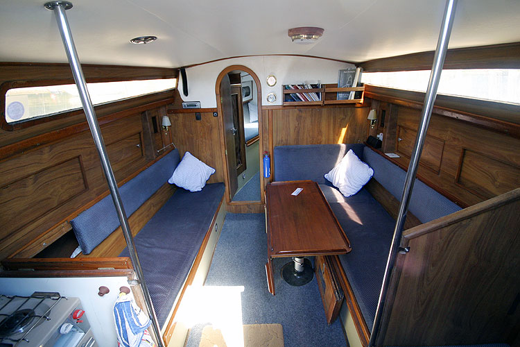 Moody 30for sale View forward -
