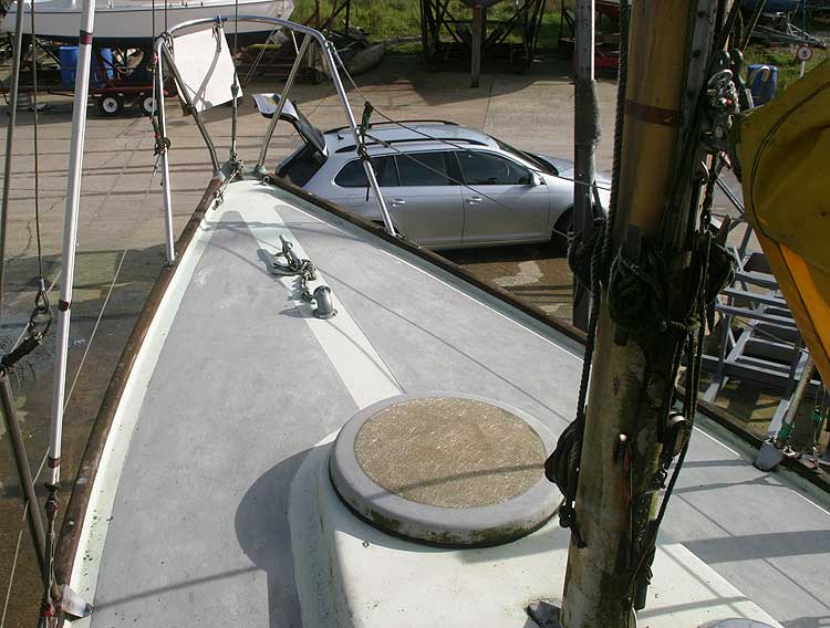 Van de Stadt Pioneer 9for sale Fore deck view - 