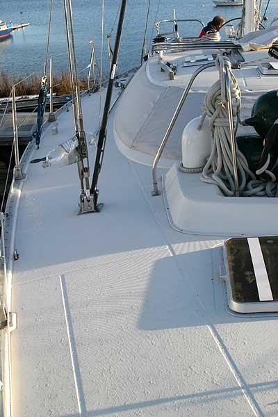Jeanneau Trinidad 48 Ketch Side deck