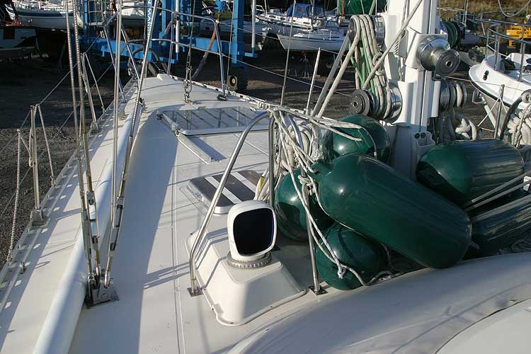 Jeanneau Trinidad 48 Ketchfor sale Deck view forward -