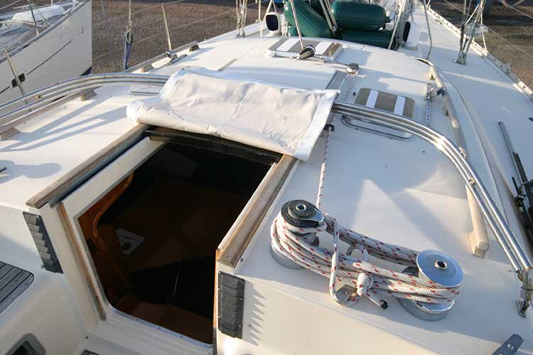 Jeanneau Trinidad 48 Ketchfor sale View forward over coachroof -