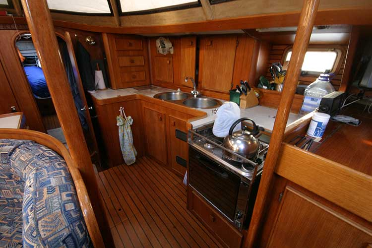 Jeanneau Trinidad 48 Ketchfor sale Galley -