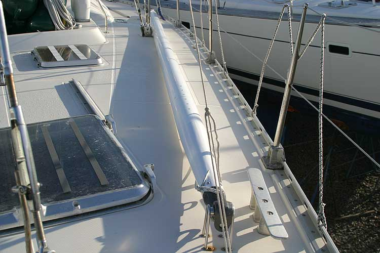 Jeanneau Trinidad 48 Ketchfor sale Whisker pole on deck mount. -