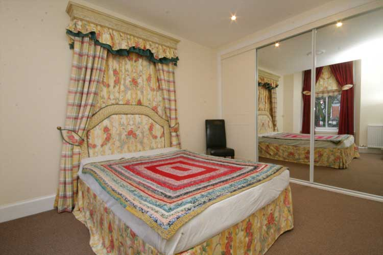 Waterside Property - 2 Bedroom Flatfor sale Master bedroom - Good sized bedroom with large fitted wardrobes.