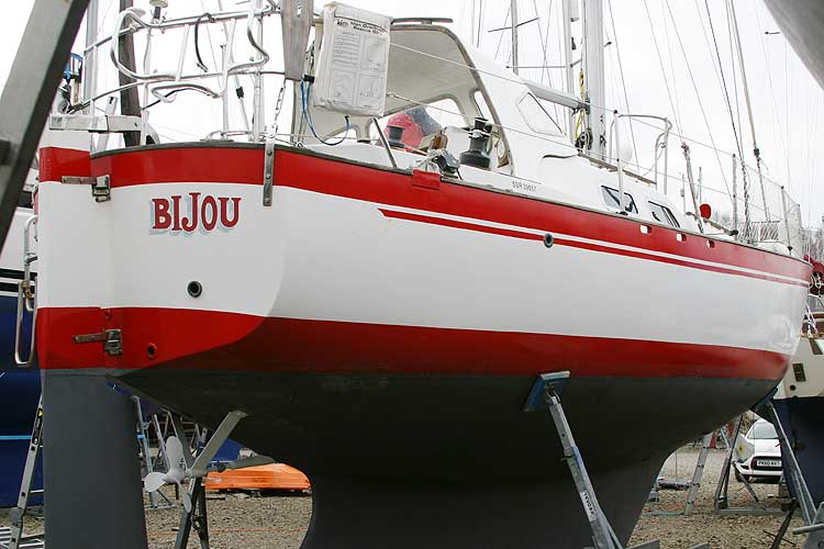 Vancouver 32for sale Hull, starboard aft quarter -
