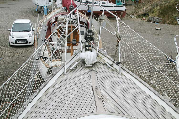 Vancouver 32for sale Foredeck -