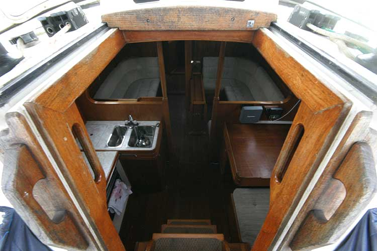 Vancouver 32for sale Companionway -