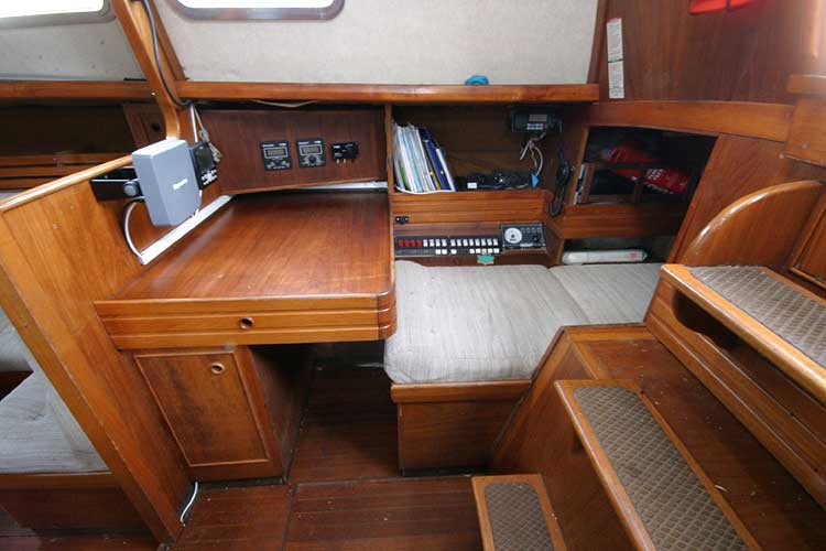 Vancouver 32for sale Nav station -