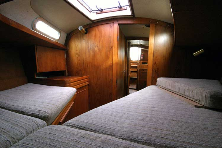 Vancouver 32for sale Forward cabin, view aft -