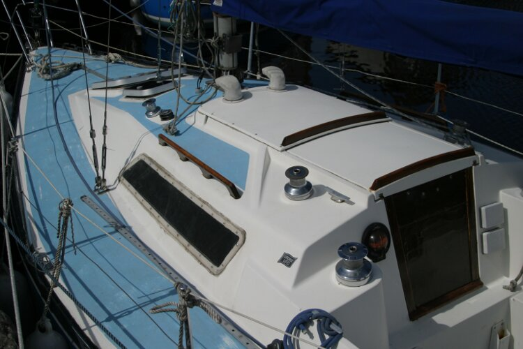 Colvic UFO 27for sale Coachroof and Foredeck from the shore -