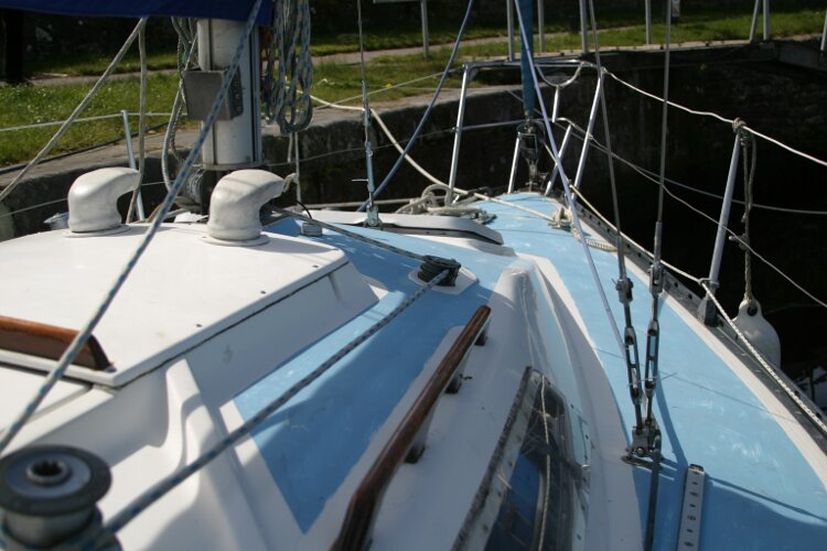 Colvic UFO 27for sale Starboard side looking forward from the cockpit -