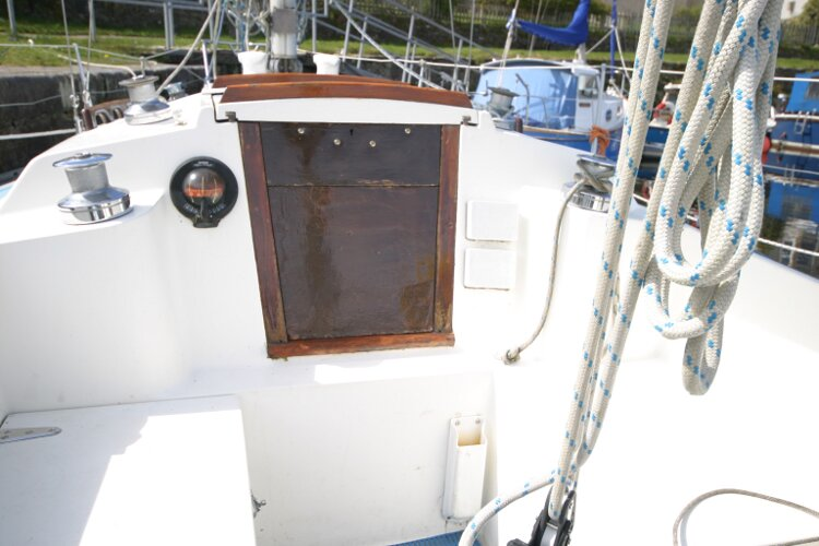 Colvic UFO 27for sale Companionway entrance -